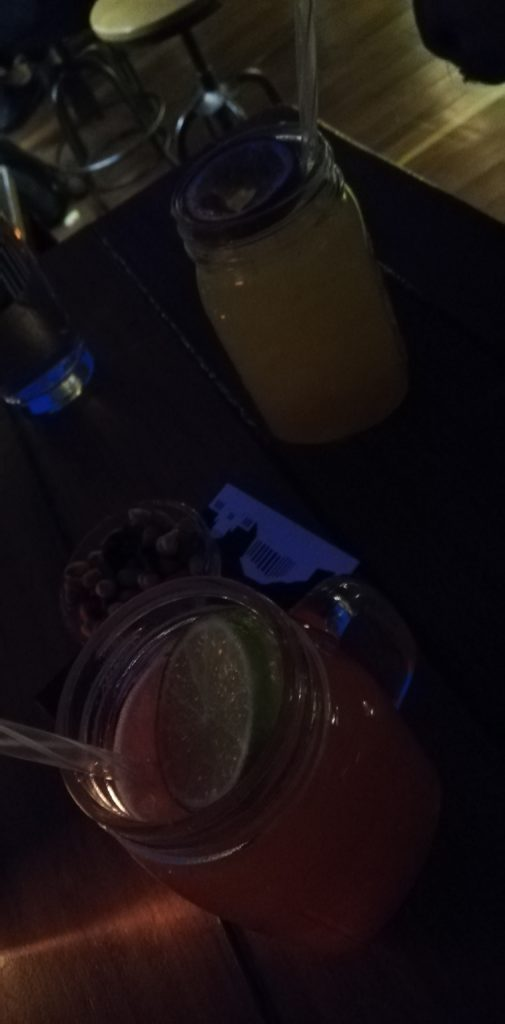 360 Cocktail Bar Jasmine Breeze und Blockbuster