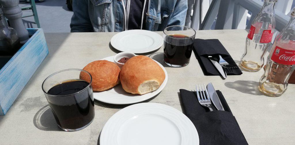 frische Brötchen mit Olivenpaste Panorama Restaurant