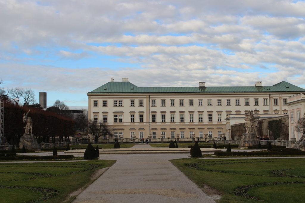 Mirabellgarten mit Sicht auf Schloss Mirabell