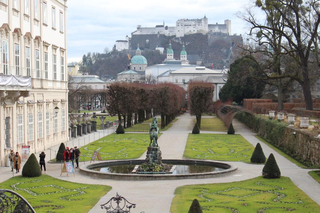 Mirabellgarten mit Sicht auf Dom und Festung