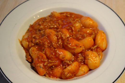 Gnocchi mit Tomaten-Hackfleisch-Soße