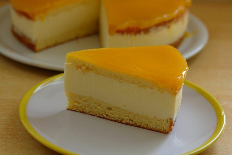 Maracuja-Käsesahne-Torte
