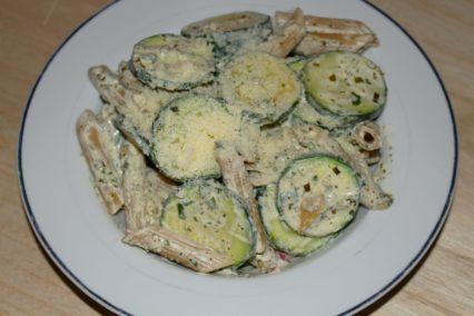 cremige Penne mit Zucchini und Crème Fraîche
