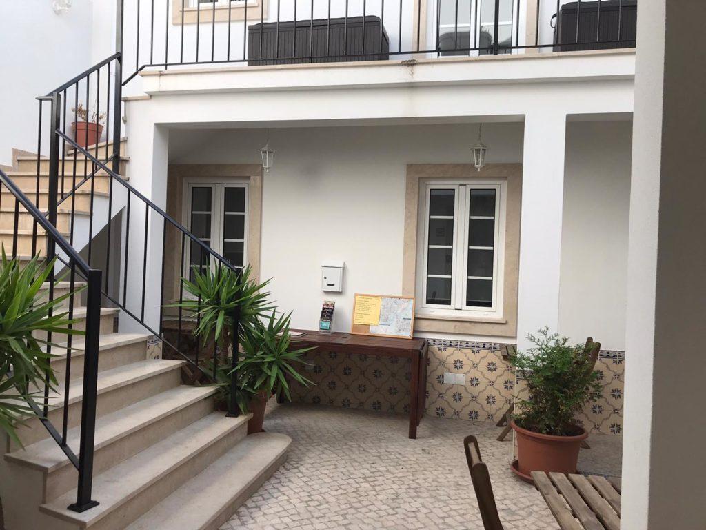 BmyT - The Villa Lissabon