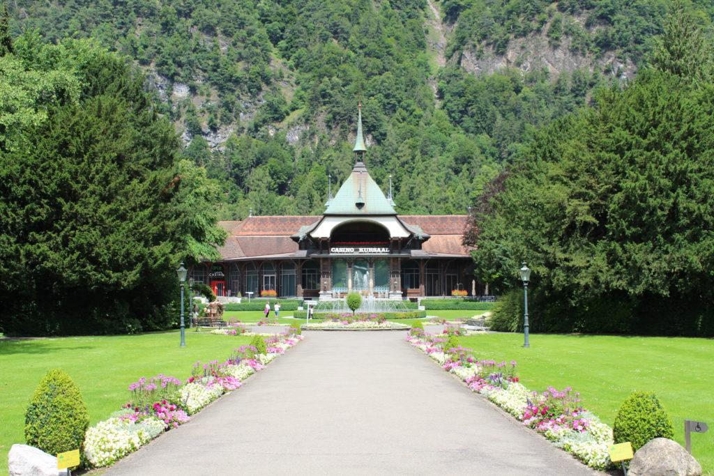 Kursaal Park mit Sicht auf das Casino