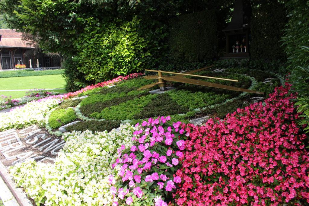 Blumenuhr im Kursaal Park